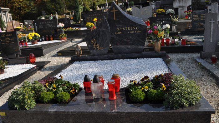 Dvojni nagrobni spomenik 5