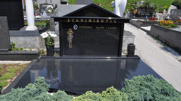 Dvojni nagrobni spomenik 12
