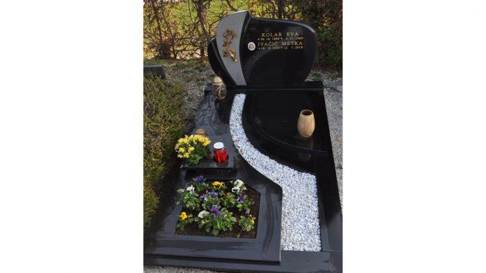 Enojni nagrobni spomenik 8