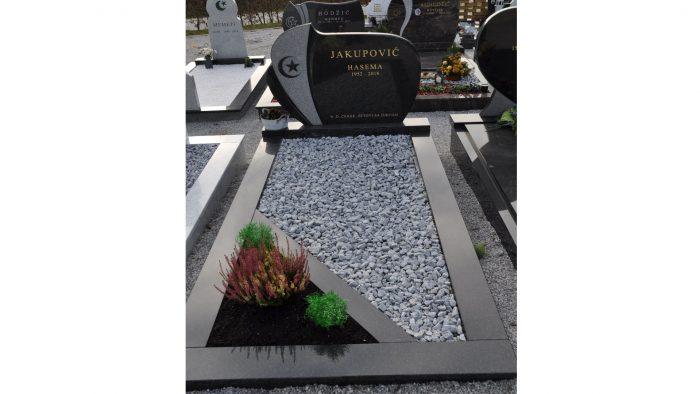 Enojni nagrobni spomenik 2
