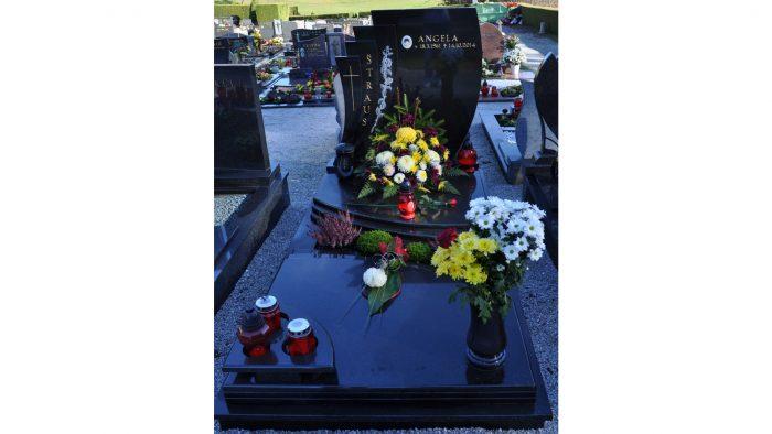 Enojni nagrobni spomenik 25