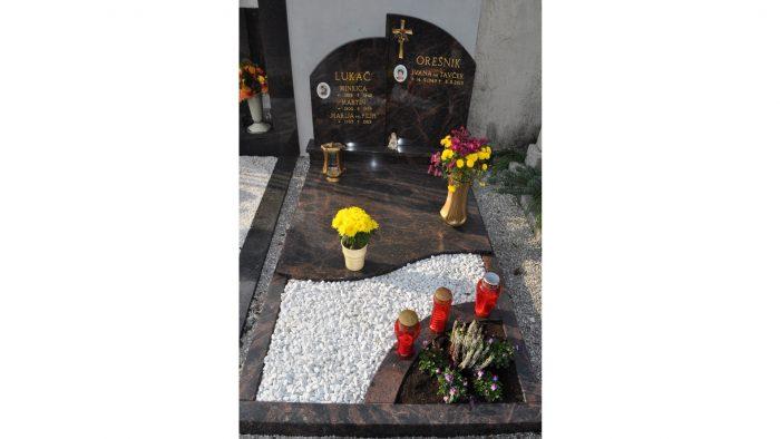 Enojni nagrobni spomenik 28