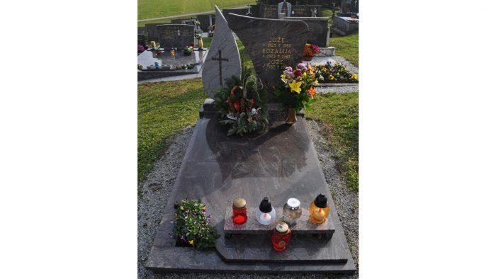 Enojni nagrobni spomenik 35