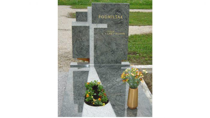 Enojni nagrobni spomenik 37
