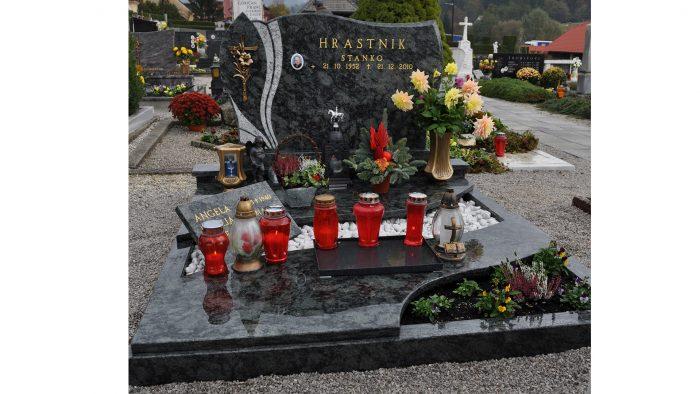 Enojni nagrobni spomenik 4