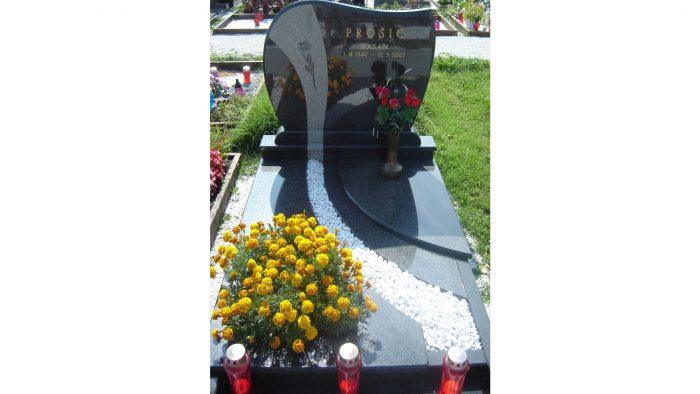 Enojni nagrobni spomenik 42