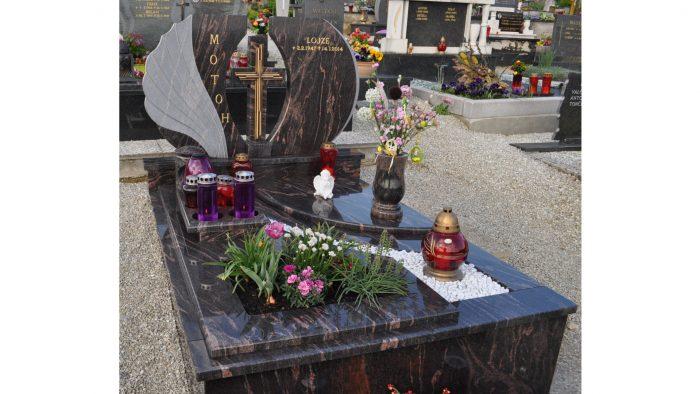 Enojni nagrobni spomenik 46