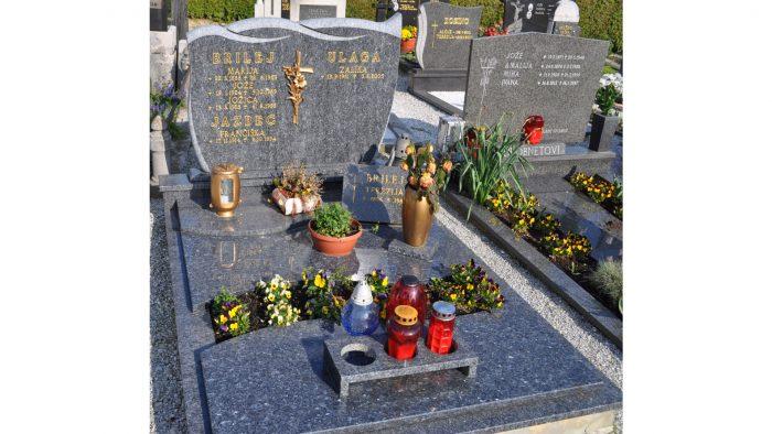 Enojni nagrobni spomenik 48