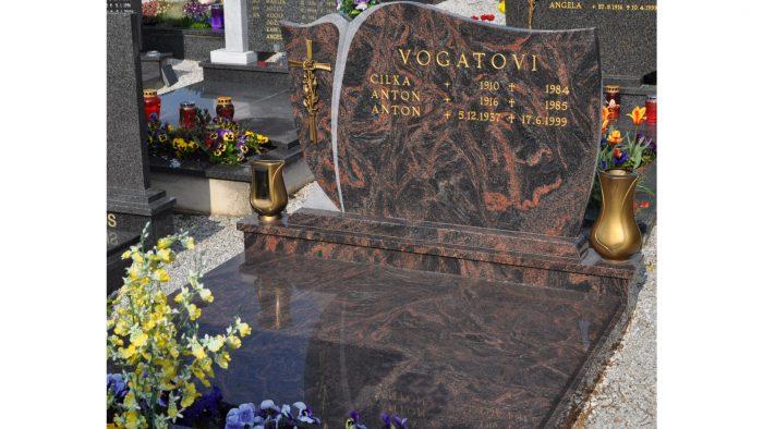 Enojni nagrobni spomenik 49