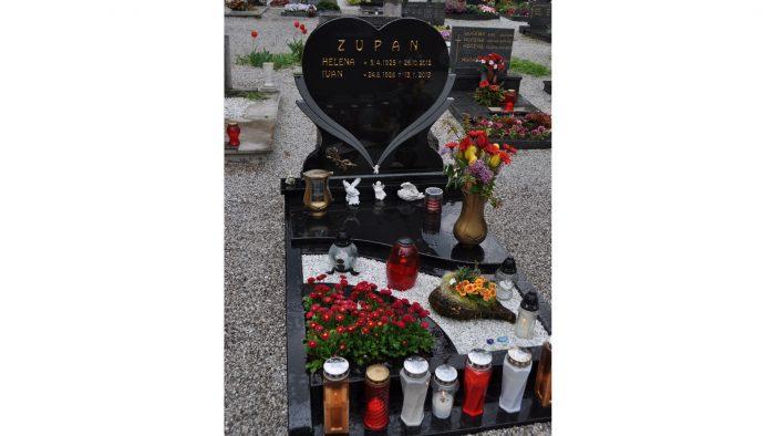 Enojni nagrobni spomenik 55