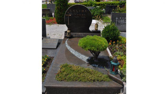 Enojni nagrobni spomenik 60