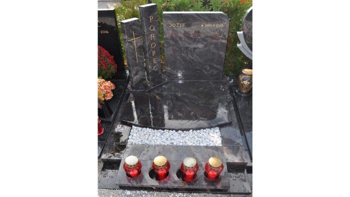 Žarni nagrobni spomenik 16