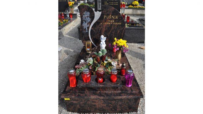 Žarni nagrobni spomenik 3