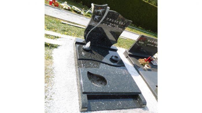 Žarni nagrobni spomenik 30