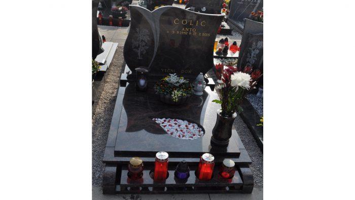 Žarni nagrobni spomenik 8